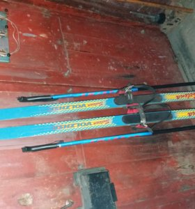 Продам подростковые лыжи