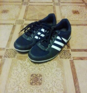 кроссовки,38 размер