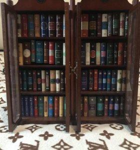 Шкаф с книгами в миниатюре