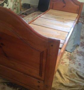 Кровать из чистого дерева