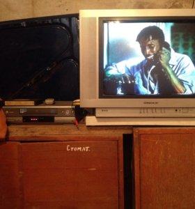 Телевизор 54 диагон ,и видеомагнитофон. L.  C
