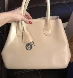 Натуральная кожаная сумка реплика Dior