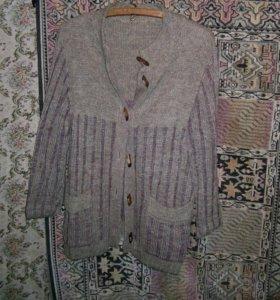 Шерстяная кофта вязанная
