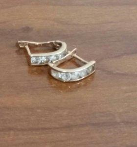 Золотые сережки для девочки