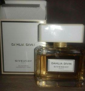 Givenchy Dalia divin живанши