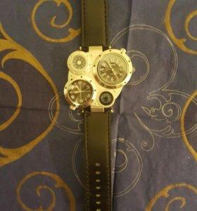 Часы oulm новые