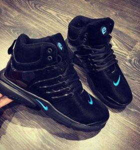 Новые кроссовки 26, 5 см., по стельке