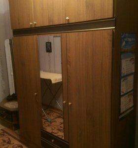 Шкаф и трильяж