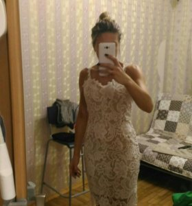 Бежевое платье новое