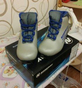 ботинки лыжные, 34 размер.