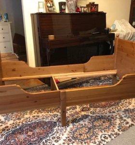 Кровать, полностью из дерева