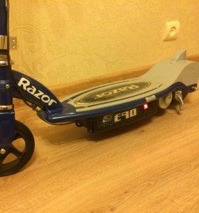 Электросамокат Razor E90 синий