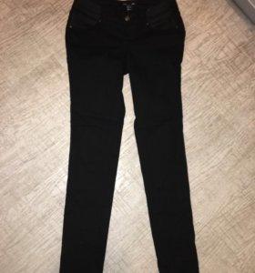 Джинсы  брюки для беременных H&M