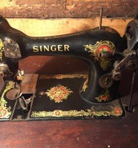 Швейная машинка, в оригинале,рабочая.