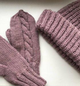 Комплект из шерсти: варежки и шапочка