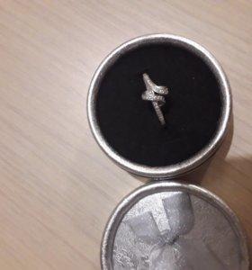Кольцо серебро 925 цирконы