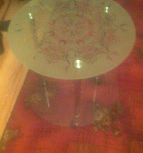 Новый стеклянный стол