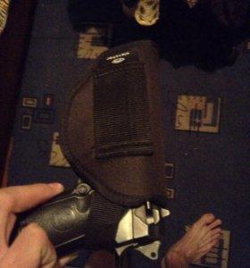 Кобура и пистолет игрушечный