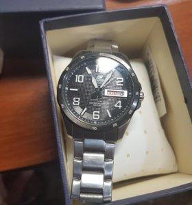 Часы Casio Edifice EF-132