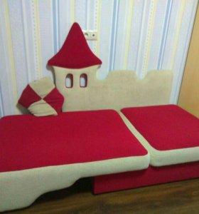 """Детский диван-кровать """"Замок""""."""