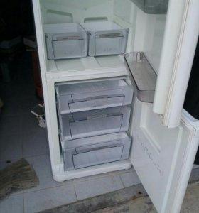 Холодильник Аристон двухкамерный