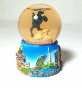 Стеклянный шарик из Санкт-Петербурга