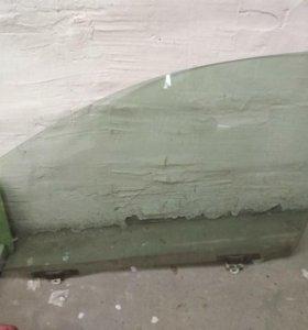 Стекло левой передней двери тойота королла 120 куз