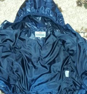Куртка на 3-5 лет.шапка в подарок