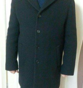 Пальто мужское. Почти новое.