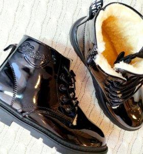 Зимние черные лаковые ботинки на девочку
