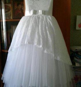 Платье (перчатки в подарок)