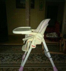 Детский стул для кормления ребенка