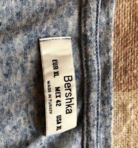 Фирменная футболка Bershka