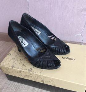 Riarosa туфли кожанные 35 размер
