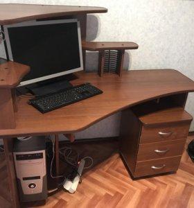 Продам компьютерный стол, торг уместен