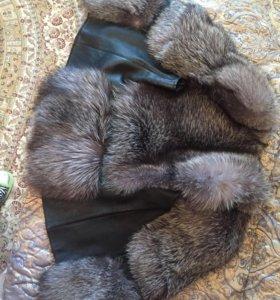 Кожаный жилет с мехом чернобурки