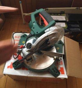 Пила торцовочная STL1400/210 Hammer Flex на