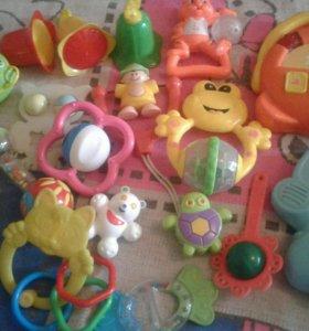 Погремушки и музыкальные игрушки