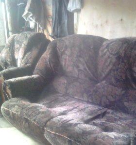Диван,кресло.