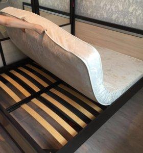 Кровать, матрас и 2 тумбочки