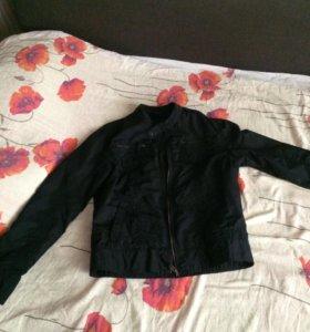 Куртка(ветровка )