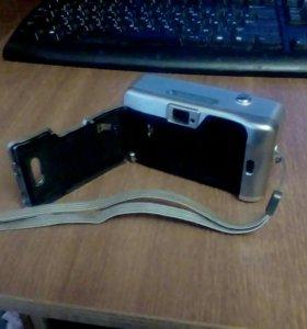Фотоаппарат плёночный SAMSUNG со вспышкой.
