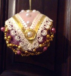 Новогодний подарочный шар ручной работы