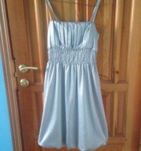 Платье Benetton, размер M