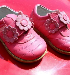 Босоножки и туфли на девочку