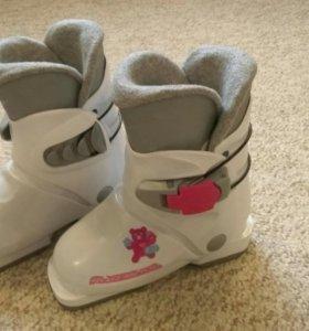 Ботинки горнолыжные детские