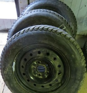 Шины GoodYear UltraGrip Ice Arctic 215/65 R16