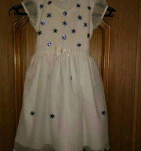 Белое нарядное платье Снежинки