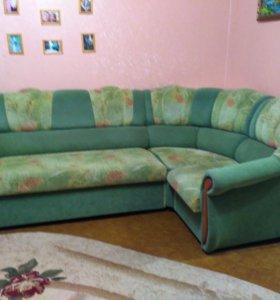 Мягкая мебель.Угловой диван и кресло.