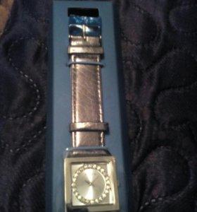 Часы наручные Avon